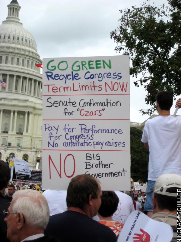 Photograph of a sign that says: Go Green - Recycle Congress - Term Limits NOW - Senate Confirmation for Czars - Pay for Performance for Congress - No Automatic Pay Raises - No Big Brother Government